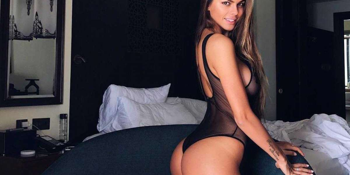 Russian Female Escorts in Delhi Call Girls Agency with Photos